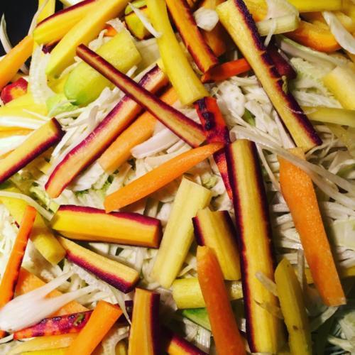 Préparation de légumes anciens.
